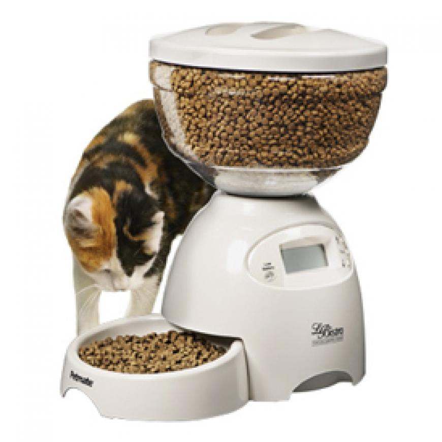 Кормушки и поилки для кошек